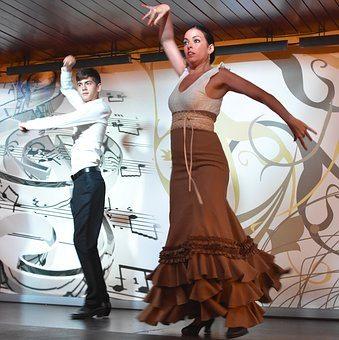 dancing-1629541__340