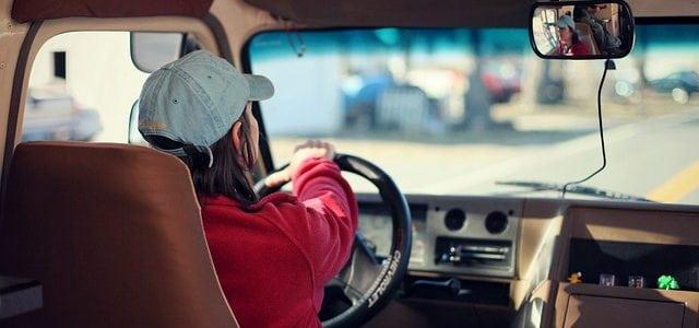 Complementa tu seguridad al volante de tu primer coche